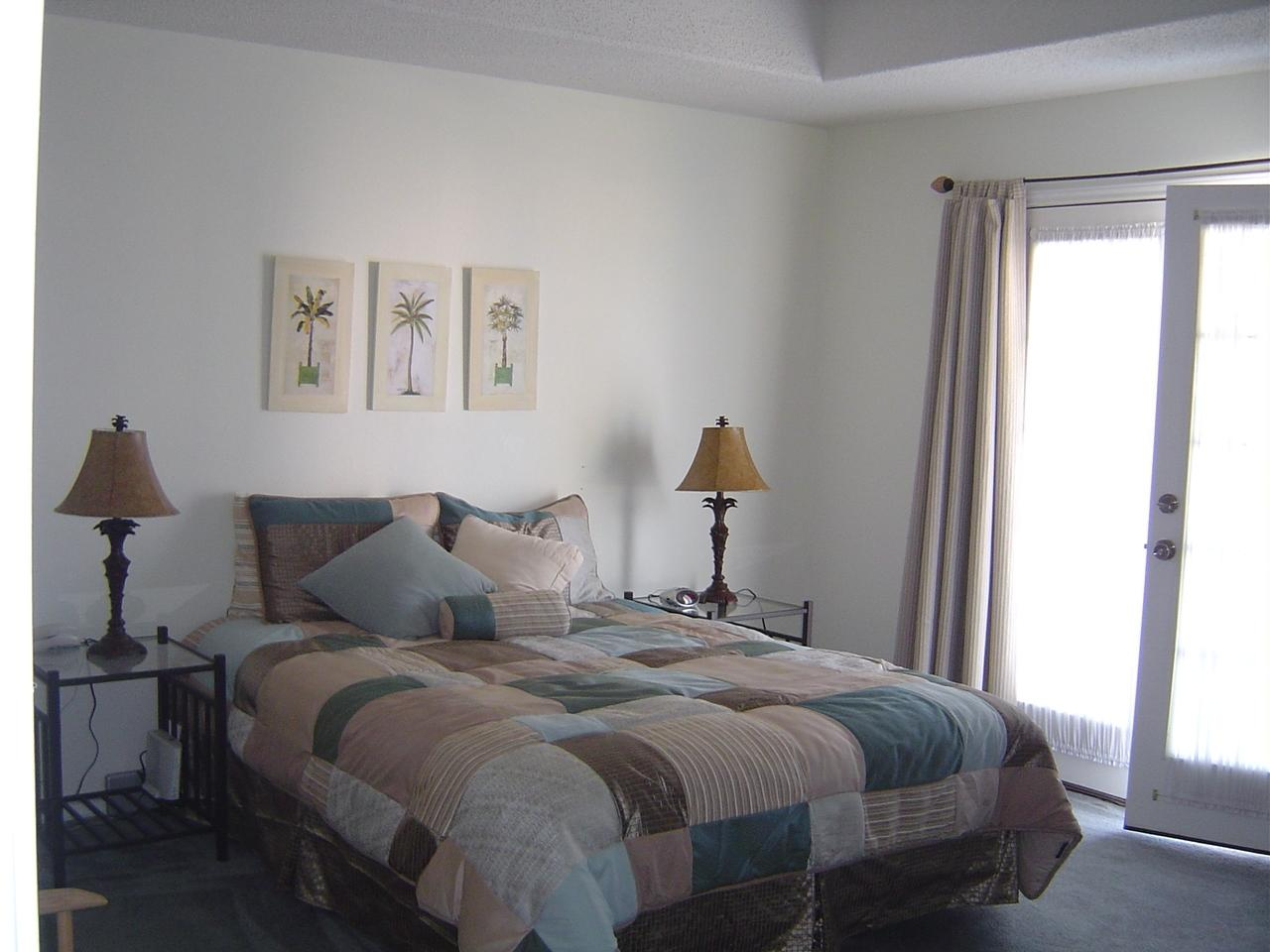 Unit A - Masterbedroom.JPG
